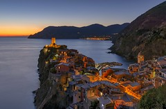 *Vernazza @ golden hour* (Albert Wirtz @ Landscape and Nature Photography) Tags: dusk abenddämmerung goldenestunde goldenhour bluehour blauestunde twilight italy italia italien vernazza cinqueterre mittelmeer nature natur landscape landschaft sunset sky water longexposure langzeitbelichtung hdr paesaggi paysage campo campagna campagne paisaje city stadt dorf village romantic romantisch popular photogeniclocation tower ancient alt idyllisch monterosso nikon d810 weltkulturerbe unesco unescoworldheritage unescoweltkulturebe touristisch travel beliebt ligurien liguria hafen riviera laspezia albertwirtzlandschaftsundnaturfotografie albertwirtzphotography albertwirtzlandscapeandnaturephotography cityscape mediterraneansea mediterranean