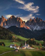 Santa Magdalema (kani polat) Tags: italy italia dolomites dolomiti dolomiten alps alpi santa magdalena autumn sunset