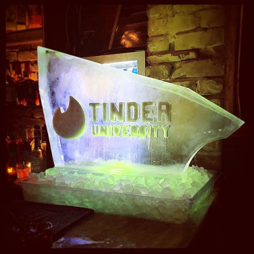 @tinder hosted a #holiday get together @mayloosbar_smtx last night! #fullspectrumice #tinderuniversity #iceluge #swiperight #thinkoutsidetheblocks #brrriliant - Full Spectrum Ice Sculpture