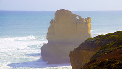 Offworld (little_frank) Tags: gibsonsteps greatoceanroad victoria australia nature wild ocean pacific sea waves foam downunder oceania coast seacliffs rocks geology erosion wilderness seastack sunny horizon panorama waterscape time outstanding towering stone monumental fantastic wonder wonderful beautiful standing