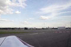 Geland (Dimormar!) Tags: driehoeksvlucht airport landing rotterdam