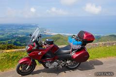 Cantábrico (DOCESMAN) Tags: moto bike motor motorcycle motorrad motorcykel moottoripyörä motorkerékpár motocykel mototsikl honda nt700v ntv700 deauville docesman danidoces cantabrico galicia asturias cantabria miradordelfito miradordelfitu mar playa costa