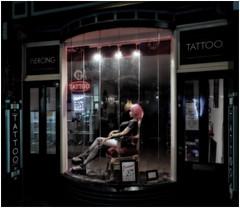 Tattoo Parlour, Amsterdam (Où est mon coeur) Tags: canon eos m6 tattoo parlour amsterdam netherlands holland night
