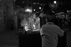 Castañero (ralcains) Tags: spain españa sevilla seville siviglia blackwhite bw blancoynegro blackandwhite monochrome monocromo monochromatic monocromatico greyscale schwarzweis noiretblanc rangefinder telemetrica 50mm ngc leica leicam240 leicam m240 7artisans calle fotografiadecalle street streetphotography absoluteblackandwhite roastedchestnuts
