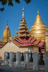 Schwezigon Paya (Seb & Jen) Tags: bagan myanmar burma birmanie mandalayregion myanmarbirmanie oldbagan nyaungu royaumedepagan temple pagoda pagode schwezigon paya