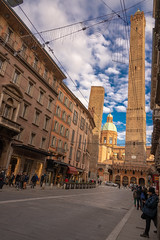The two towers, Bologna, Italy (alessio.vallero) Tags: street streetphotography architecture medieval twotowers torreasinelli italy bologna