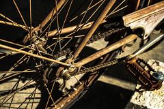 EL paso del tiempo (ameliapardo) Tags: bicicletas tiempooxido cadena radiosruedas pedal fujixt2 fujinon1855