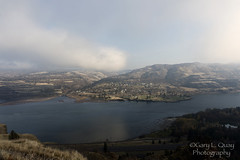 Looking at Lyle, WA from Rowena Crest (Gary L. Quay) Tags: rowenacrest columbiagorge columbiarivergorge columbia river gorge oregon washington lyle rowena autumn nikon garyquay