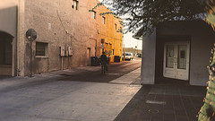 mesa 01693 (m.r. nelson) Tags: mesa arizona az america southwest usa mrnelson marknelson markinaz streetphotography urban artphotography newtopographic urbanlandscape thewest wildwest documentaryphotography color colorpotography farbstoffe farbe