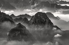 *Hua Mountains @ hills of fog and clouds* (Albert Wirtz @ Landscape and Nature Photography) Tags: albertwirtz huamountains huashan huashanmountainrange fog mist clouds nebel wolken berge mountains hua china nikon d810 brume bruma brouillard bw blackwhite schwarzweiss monoton monotone landscape landschaft campagne campagna campo paisaje paesaggi nature natur natura überdenwolken backlight gegenlicht laniebla nebbia huashanmountainmassif huàshān chinese 華山华山 holymountains shaanxiprovince huayindistrict peoplesrepublicofchina xian albertwirtzphotography albertwirtzlandscapeandnaturephotography toplocation moody magnificent