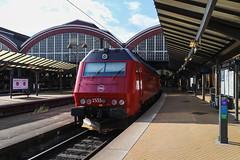 ME 1533, Köpenhamn 2018-07-11 (Michael Erhardsson) Tags: station järnväg sommar juli 2018 copenhagen köpenhamn danmark dsb me diesellok röd rött lok