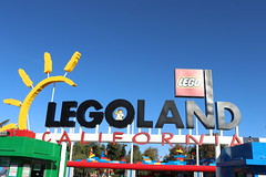 "Legoland California Main Entrance • <a style=""font-size:0.8em;"" href=""http://www.flickr.com/photos/28558260@N04/45567235094/"" target=""_blank"">View on Flickr</a>"