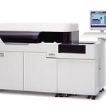 生化学自動分析装置の写真