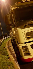2018-12-17 17.15.41 (JAMES2039) Tags: volvo fm12 ca02tow fh13 globetrotter pn09juc pn09 juc tow towtruck truck lorry wrecker rcv heavy underlift heavyunderlift 8wheeler 6wheeler 4wheeler frontsuspend rear rearsuspend daf lf cf xf 45 55 75 85 95 105 tanker tipper grab artic box body boxbody tractorunit trailer curtain curtainsider tautliner isuzu nqr s29tow lf55tow flatbed hiab accidentunit iveco mediumunderlift au58acj ford f450 renault premium trange cardiff rescue breakdown night ask askrecovery recovery scania 94d w593rsc bn11erv sla superlowapproach demountable
