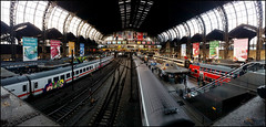 Day 306 (kostolany244) Tags: 3652018 onemonth2018 november day306 2112018 kostolany244 samsunggalaxys5 europe germany geo:country=germany month panorama train station hamburg 365the2018edition