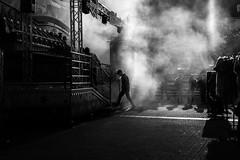 Noir fog (Black&Light Streetphotographie) Tags: mono monochrome menschen menschenbilder leute people personen portrait peoples urban tiefenschärfe wow dof depthoffield fullframe face gesicht vollformat blackandwhite bw blackwhite bokeh bokehlicious blur bettler sony streetshots streetshooting streets street schwarzweis streetportrait streetphotographie sw sonya7rii absoluteblackandwhite