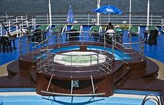 (Cindy en Israel) Tags: crucero barco pileta jacuzzi piscina vallas robado cándida candid mar mediterráneo sombrilla agua embarcación paseo turismo tour viaje vacaciones reposeras sillas mesas azul marrón escalones picado