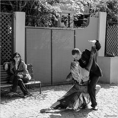 It takes two... (John Riper) Tags: johnriper street photography straatfotografie square vierkant bw black white zwartwit mono monochrome argentina buenosaires ba john riper rotterdam fuji fujifilm xt2 xf 18135 boca tango dancing watching couple lady woman