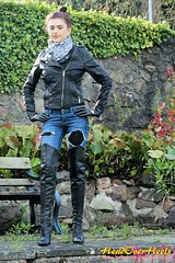 Brand new photo set of Chloe (Street Boots & Leather) Tags: leather leathergloves boots thigh sexy stiletto jeans jacket gloves