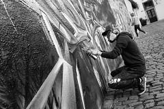 spray (99streetstylez) Tags: graffiti sprayer people city metropole 99streetstylez street streetphotography 35mm fuji fujix100f rangefinder style