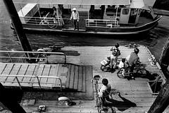 a wharf 712 (soyokazeojisan) Tags: japan osaka bw sea city blackandwhite monochrome analog olympus m1 om1 28mm film trix memories 1970s