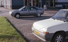 Garage 80 (Barteldsk) Tags: citroen bx renault 1990s tp41zs r5 35mm film agfa