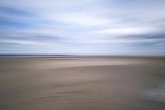 Einatmen (blichb) Tags: 2016 deutschland insel leicaq leicasummilux11728 meer nordsee schleswigholstein sylt blichb leere weite strand wattenmeer wischer icm himmel wolken