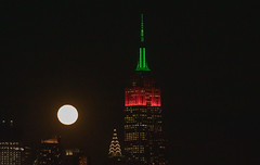 The Full Wolf Moon rises next to the Empire State Building on Jan. 21, 2019. (apardavila) Tags: chryslerbuilding esb empirestatebuilding fullwolfmoon hoboken manhattan martinlutherkingjrday nyc newyorkcity fullmoon moon moonphoto moonphotography moonrise night nightphoto nightphotography skyline skyscraper