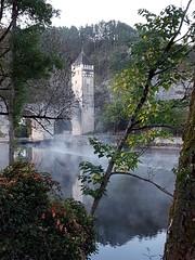 Le pont Valentré et les brumes matinales (martineparisot) Tags: pont cahors rivière sudouest lot