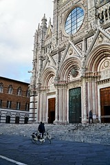 Bikes in front of the Siena Duomo (Tatiana12) Tags: siena italy sienacathedral architecture unescoworldheritagesite church art doors