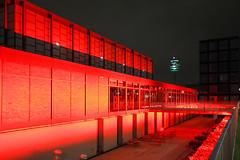 Red Zone (CoolMcFlash) Tags: architecture building vienna 21erhaus night light canon eos 60d red architektur gebäude wien nacht beleuchtet rot fotografie photography sigma 1020mm 35 city stadt
