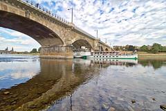 """Dresden - Schaufelraddampfer """"Leipzig"""" und Albertbrücke (www.nbfotos.de) Tags: dresden elbe fluss river schaufelraddampfer leipzig schiff dampfer ship boat albertbrücke brücke bridge spiegelung reflexion reflection"""