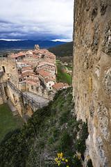 SITIOS DE BURGOS (jramosvarela) Tags: castillo antiguo pueblo frias 2016 burgos tejado castle chateau old roof village
