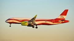 Airbus A220-300 I YL-CSL I Air Baltic (Gustavo H. Braga) Tags: airbus aviation airplanes airport aviação aviacao aviao aeronaves aeroporto lisbon portugal airbaltic sunset a220