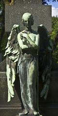 Cimetière Notre-Dame-des-Neiges - 10 (Spock2029) Tags: cimetièrenotredamedesneiges cimetière cemetery montréal montreal ange angel
