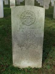 Private W. G. Emmett (Living in Dorset) Tags: wargrave wardead grave headstone wwi aldershotmilitarycemetery aldershot hampshire england uk gb 1915 wgemmett