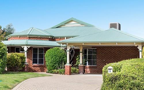 13 Mooney Av, Earlwood NSW 2206