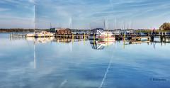Kleiner Hafen (petra.foto busy busy busy) Tags: hafen schiffe boote ribnitzdammgarten mecklenburgvorpommern sommer spiegelung reflexion wasser fotopetra 5dmarkiii canon ribnitzersee