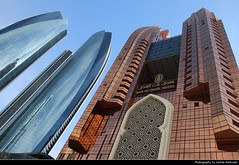Etihad Towers and Bab Al Qasr Hotel, Abu Dhabi, UAE (JH_1982) Tags: etihad towers أبراج الاتحاد 阿提哈德塔 башни этихад bab al qasr hotel city urbanity cityscape skyline skyscrapers skyscraper highrises highrise buildings wolkenkratzer architecture abu dhabi أبوظبي abou dabi 阿布扎比 アブダビ市 아부다비 абудаби united arab emirates uae vereinigte arabische emirate vae الإمارات العربيّة المتّحدة emiratos árabes unidos eau émirats arabes unis 阿拉伯联合酋长国 アラブ首長国連邦 아랍에미리트 объединённые арабские эмираты оаэ