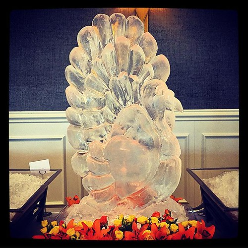 Happy Thanksgiving! #fullspectrumice #thinkoutsidetheblocks #brrriliant #holiday #icesculpture - Full Spectrum Ice Sculpture