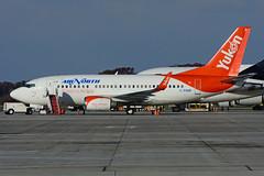 C-FANF (Air North) (Steelhead 2010) Tags: airnorth boeing b737 b737500 yhm creg cfanf