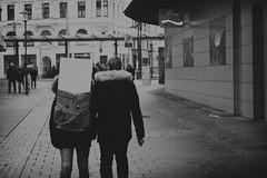 OKSF 245 (Oliver Klas) Tags: okfotografien oliver klas street streetfotografie streetphotography strassenfotografie streetart streetphotographer streetphoto stadtleben streetlife streetculture urban schwarzweis schwarzweissfotografie blackandwhite monochrom farblos abstrakt dunkel hell grau schwarz weiss black white sw schwarzweiss kunst art künstler kultur künstlerisch modern kreativ deutschland germany stadt city europa deutsch staat westdeutschland ostdeutschland norddeutschland süddeutschland personen people menschen persons volk familie angehörige bewohner bevölkerung leute europäer mann frau gesellschaft menschheit mensch völker de