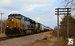 CSX 3297 Leads WB L571 Manifest Aplington, IA 12-23-18 (KansasScanner) Tags: iowafalls ackley iowa bradford train railroad csx cn up iarr