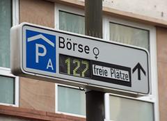 Frauenbörse. (universaldilletant) Tags: frankfurt frauen börse freie plätze 127