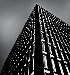 Urbanscape 5  # 1  .... ; (c)rebfoto (rebfoto ...) Tags: rebfoto urbanscape urbanscapeseries5 monochrome lines geometric building architecture skyscraper architecturalphotography