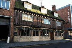 Lincoln, Olde Crowne (Clanger's England) Tags: england lincoln lincolnshire wwwenglishtownsnet pub poe