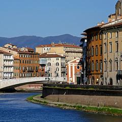 Pisa, Toscana, Italia (pom'.) Tags: pisa tuscany toscana italy italia 2018 april panasonicdmctz101 lungarno 100 200 europeanunion 300