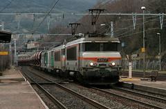 2 qui bossent,2 qui se reposent (videostrains) Tags: bb7200 beton bb67400 train fret sncf nez cassé railway couzon