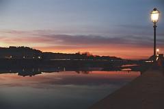 Tramonto fiorentino (michele.palombi) Tags: sunset florence colortec c41 negativo colore river arno riflessi analogic kodak portra800