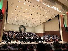 343/365 (moke076) Tags: 2018 365 project 365project project365 oneaday photoaday mobile cell cellphone iphone atlanta symphony chorus woodruffartscenter music playing orchestra people random event christmas morehousecollegegleeclub gwinnettyoungsingers aso atlantasymphonyorchestra